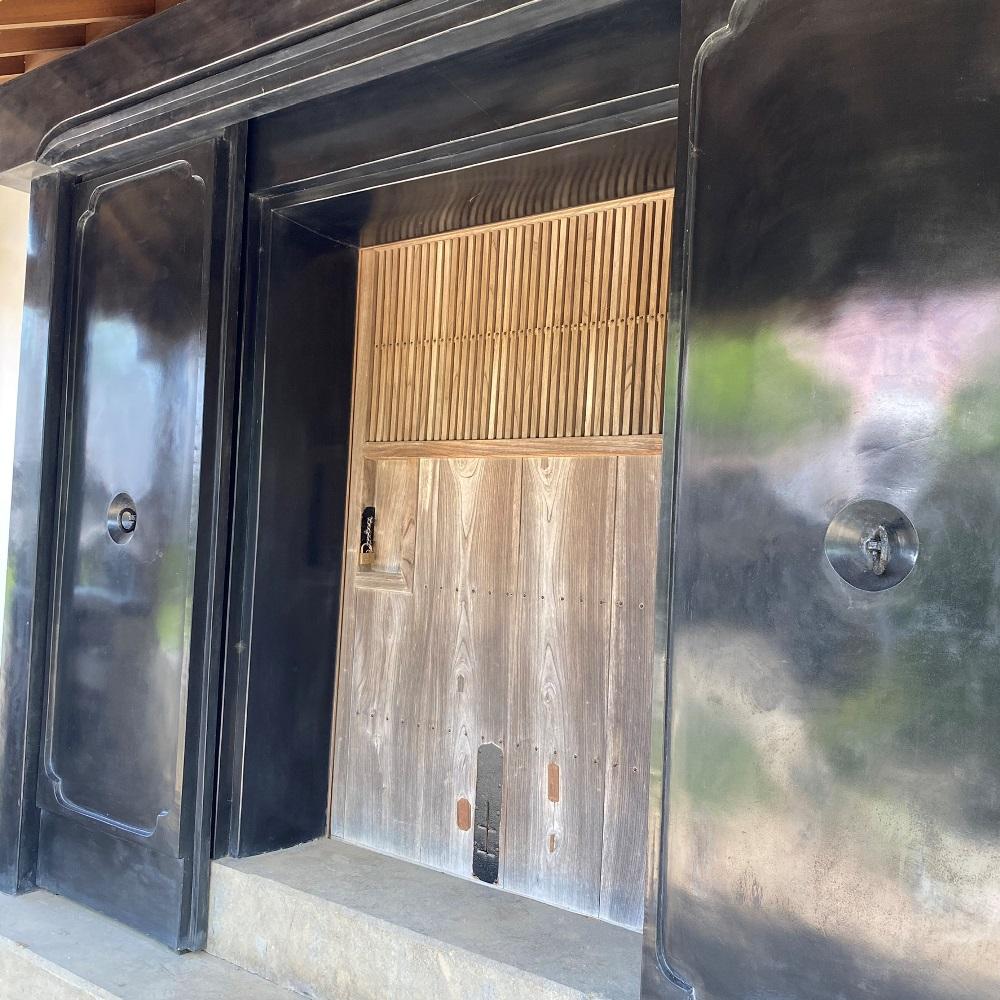 旧井上住宅二番土蔵の扉