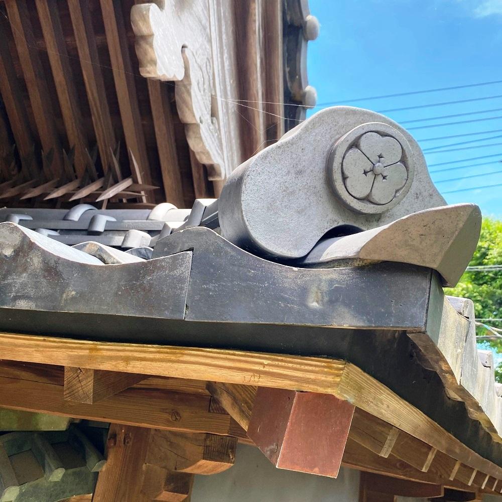 旧井上住宅瓦の家紋丸に片喰