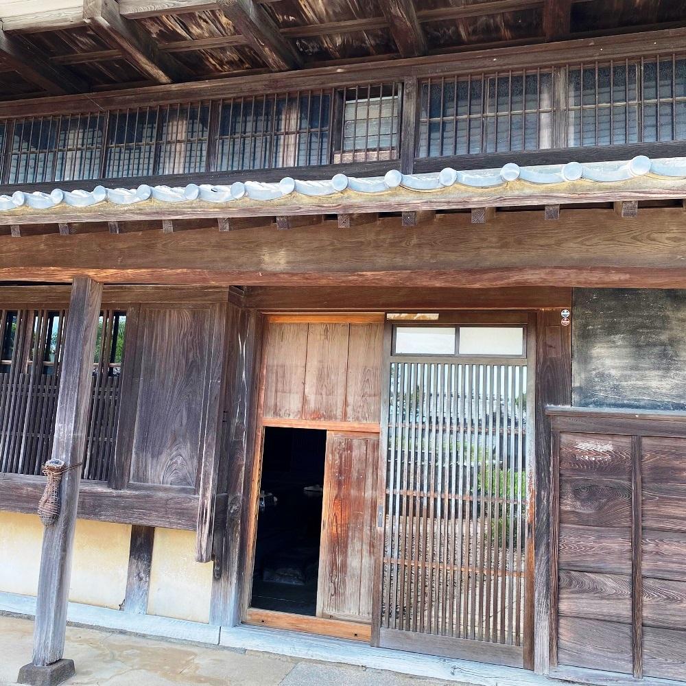旧井上住宅母屋土間への入口