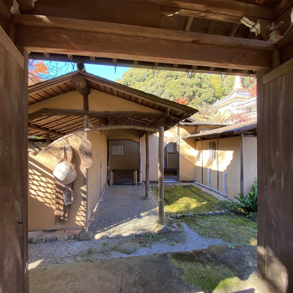 開山門奥の茶室